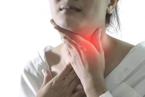 5 remèdes naturels pour soulager les symptômes de la pharyngite