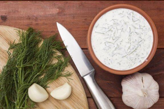 Découvrez nos recettes de sauce tartare et de sauce à l'ail