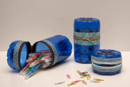 trousses en en emballages plastique recyclés