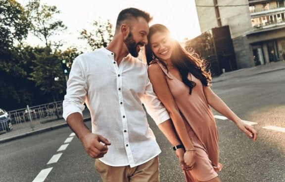 8 choses que les couples durables ont en commun Un-couple-ideal-576x369