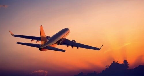 Voyager avec en avion.