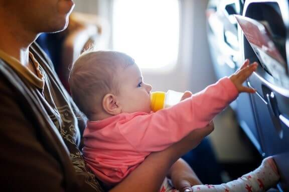 Comment faire un long voyage avec un bébé