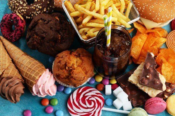 8 aliments que devez à tout prix éviter