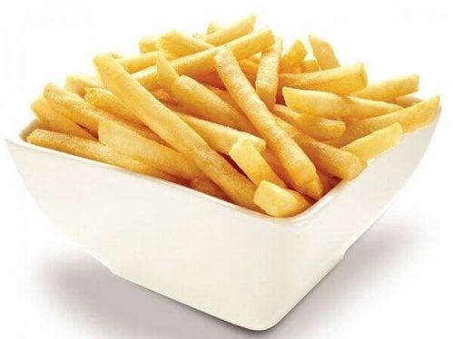 les frites font partie des aliments que vous devriez éviter de consommer