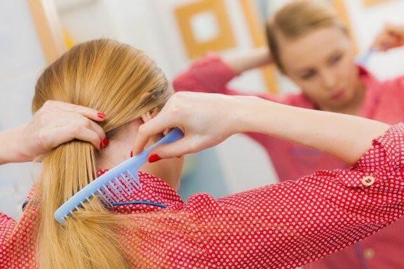 5 habitudes pour combattre la chute des cheveux