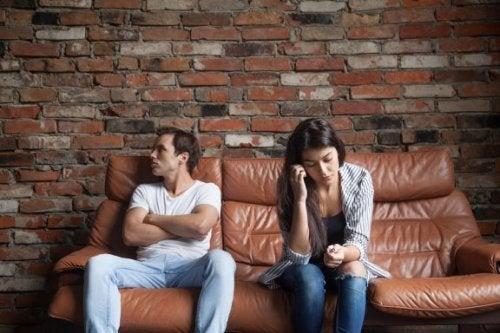 6 choses que votre conjoint ne devrait jamais vous demander