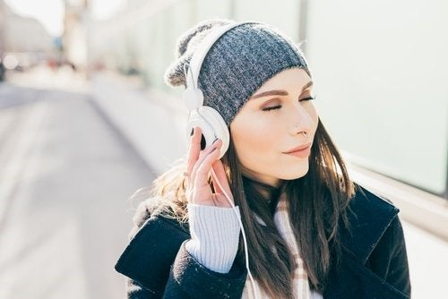 Les dangers potentiels d'une mauvaise utilisation des écouteurs