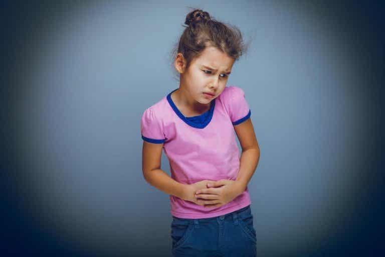 Douleurs abdominales chez l'enfant : 7 remèdes naturels