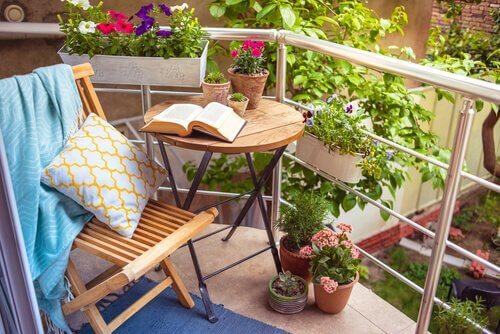 éléments de décoration romantique pour votre terrasse