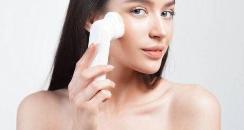 purifier les pores par l'exfoliation