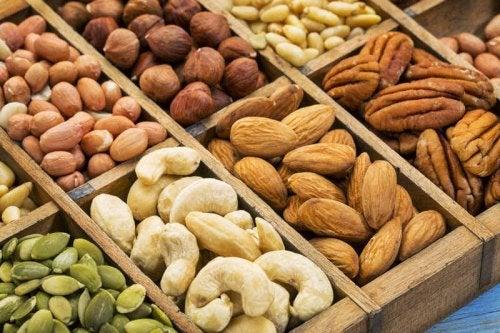 farce pour la dinde aux noix avec des fruits secs.