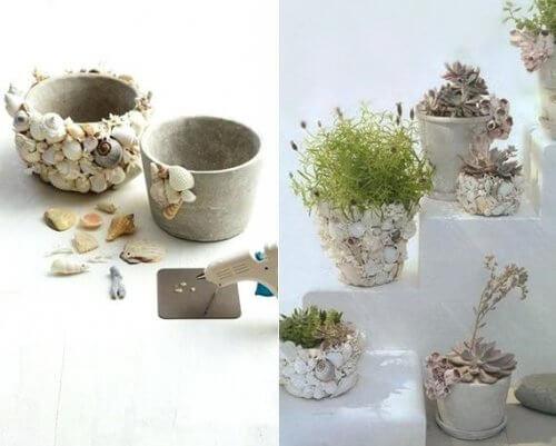 vases décorés avec des coquillages