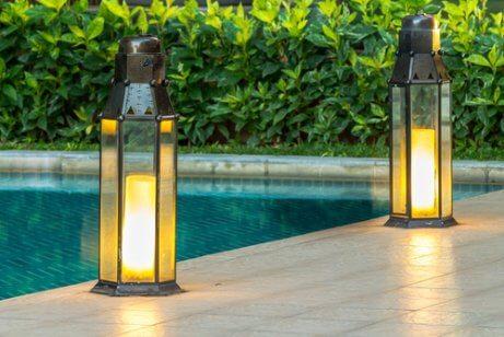 illuminations nocturnes de jardin : lampes de sol