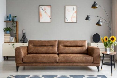 Un salon dans le style minimaliste