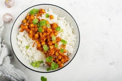 Comment préparer un curry de pois chiches au riz basmati