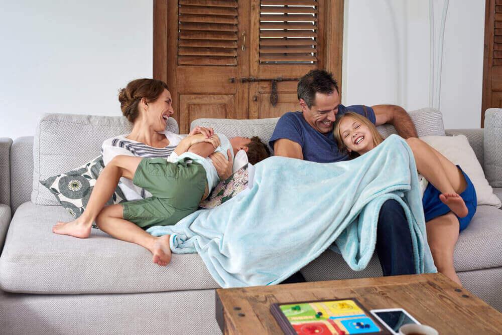 les parents qui manquent de temps doivent essayer de passer leurs moments de libre avec leurs enfants