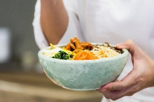 Comment préparer du bibimbap, un riz coréen exquis