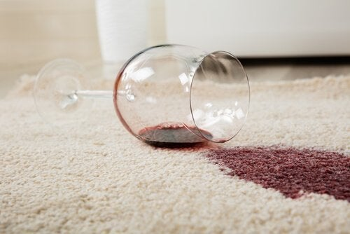 Apprenez à éliminer les tâches de vos tapis