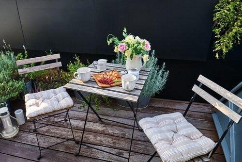 4 idées pour décorer votre terrasse dans un style romantique
