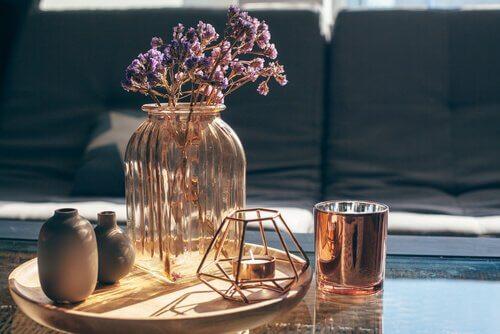 Comment créer ses propres vases décorés ?