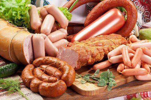 la charcuterie fait partie des aliments que vous devriez éviter de consommer