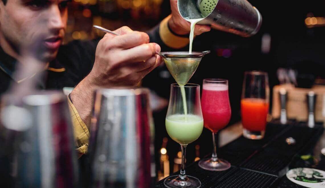 réaliser des cocktails de fruits