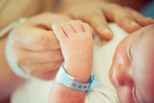Le congé maternité, ou pourquoi devrions-nous valoriser les mères qui ont donné naissance