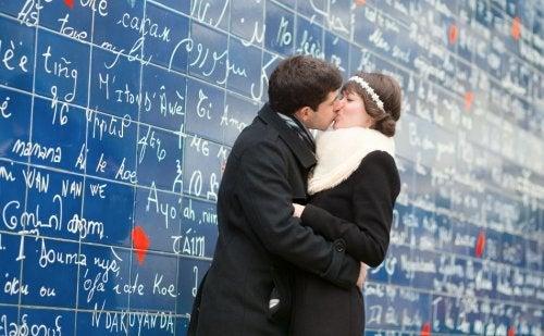 """Dire """"je t'aime"""" en différentes langues : apprenez avec nous !"""