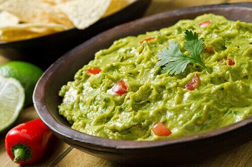 le guacamole pour accompagner les tacos vegans