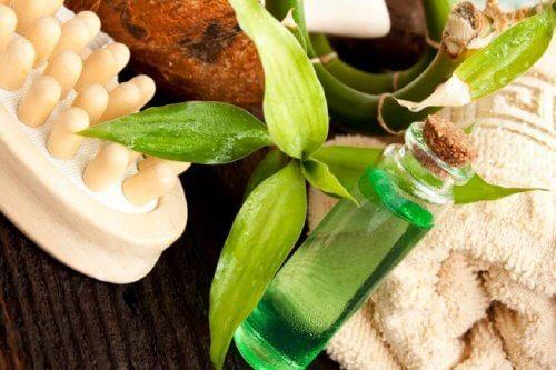 l'huile d'arbre à thé pour bien nettoyer son nombril