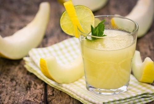 Comment préparer un délicieux cocktail au melon ?