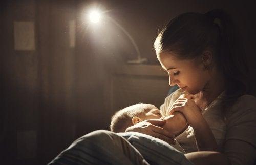 Comment devraient se nourrir les mères qui allaitent