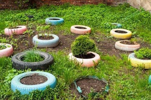 recycler des pneus pour décorer votre jardin