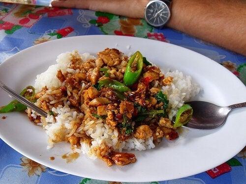 Préparez ce délicieux riz au poulet épicé