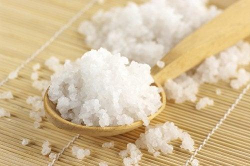 les sels d'Epsom pour soulager les hémorroïdes