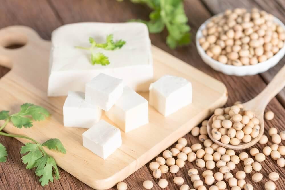 recette de salade d'épinards et de tofu