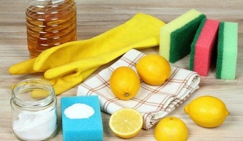 5 utilisations de l'huile essentielle de citron dans votre maison