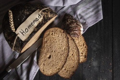 Recette de pain maison au seigle et à l'épeautre