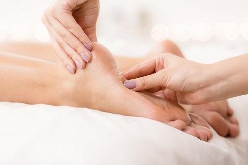 Sensation de brûlure aux pieds : 5 remèdes naturels