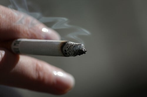 Comment le tabac affecte-t-il la peau ?