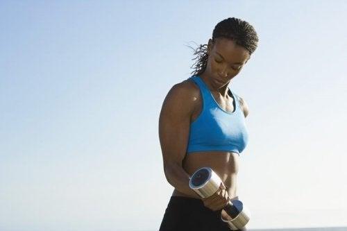 Tendinopathie ou tendinite du biceps : caractéristiques et causes