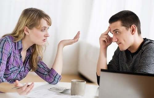 discuter avec une personne narcissique