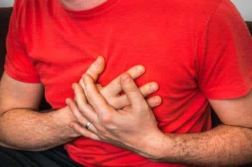 Les causes des douleurs thoraciques en cas de toux