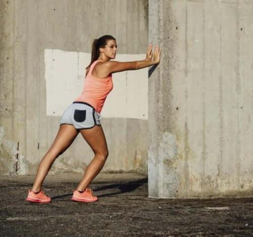 Lorsqu'on souffre d'une arthrose du genou, il est nécessaire de s'étirer