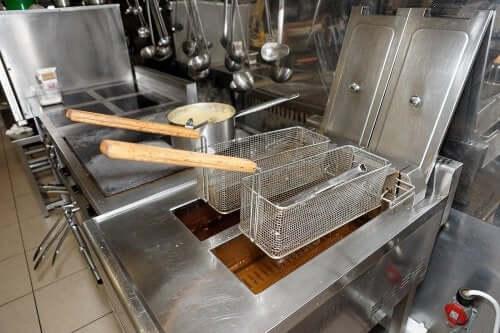 4 solutions pour simplifier le nettoyage de la friteuse