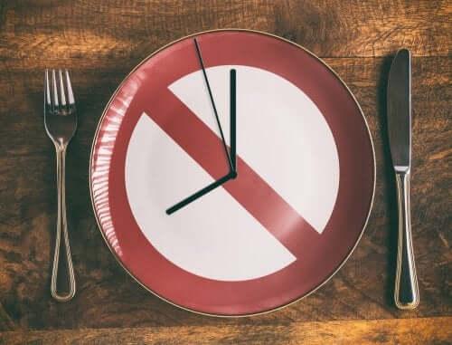 Mal répartir les repas sur la journée fait partie des erreurs d'une alimentation saine à ne pas commettre