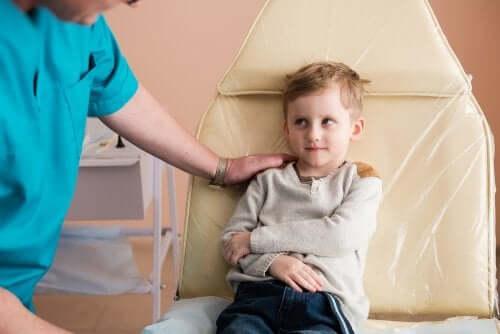 Le syndrome néphrotique chez les enfants : causes et traitement