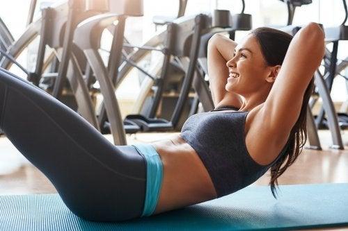 Comment travailler ses muscles abdominaux sans abîmer son dos ?