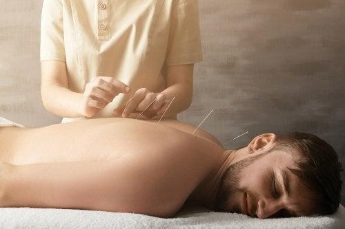 Comment l'acupuncture aide à soulager les douleurs articulaires ?