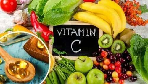 Quels sont les aliments qui contiennent de l'acide ascorbique ?
